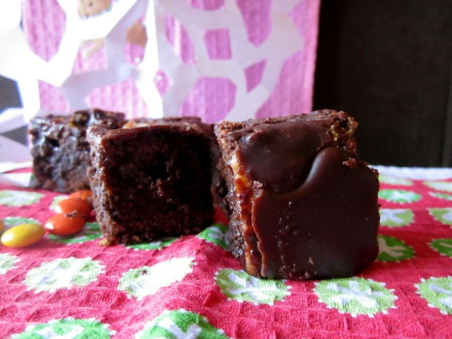 Extra Fudgy Chunky Cheesecake-Topped Brownies 2 (12.8.12)