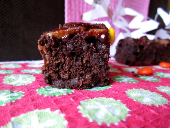 Extra Fudgy Chunky Cheesecake-Topped Brownies 6 (12.8.12)