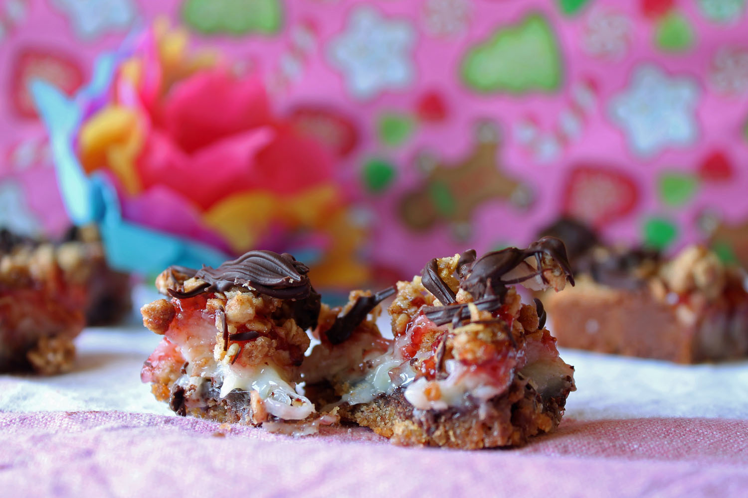 Raspberry Streusel Magic Bars 3--050513